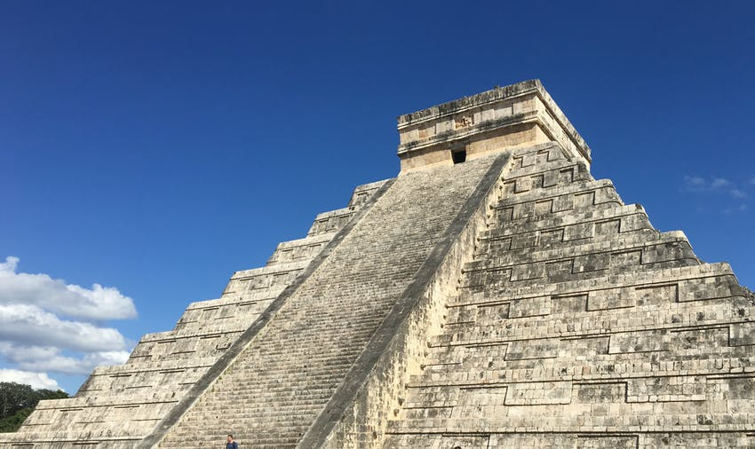 Explore the ruins when you volunteer in Mexico