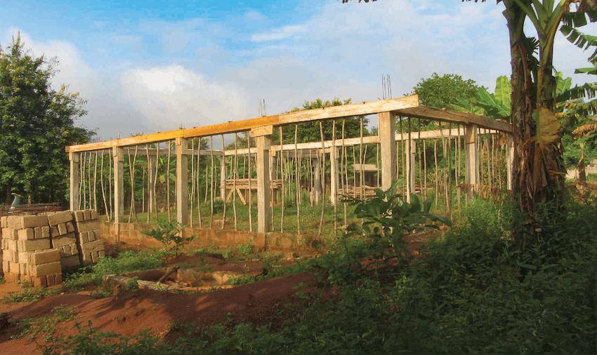 Volunteer in Ghana, construction and renovation volunteering