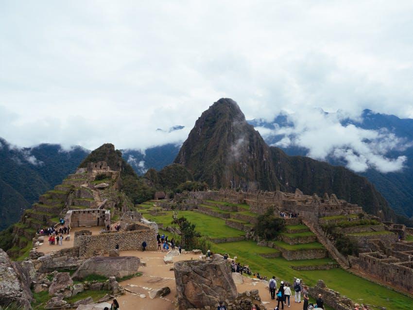 Environmental volunteers in Peru - Cusco