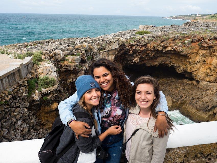 Internship vs volunteering - living abroad