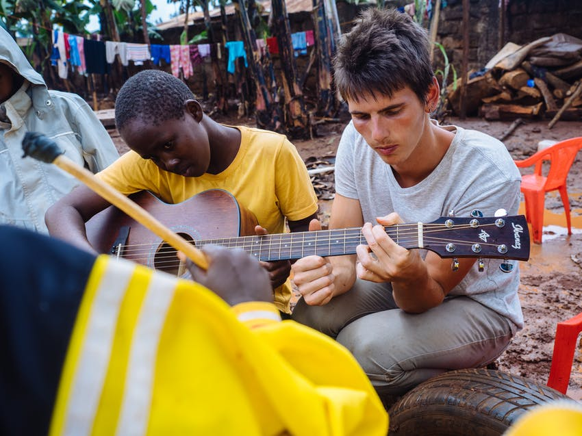 Volunteer and travel to Kenya on your winter break with IVHQ