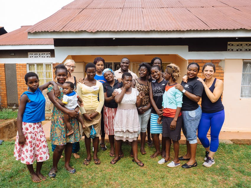 Volunteer and travel to Uganda with IVHQ on your winter break