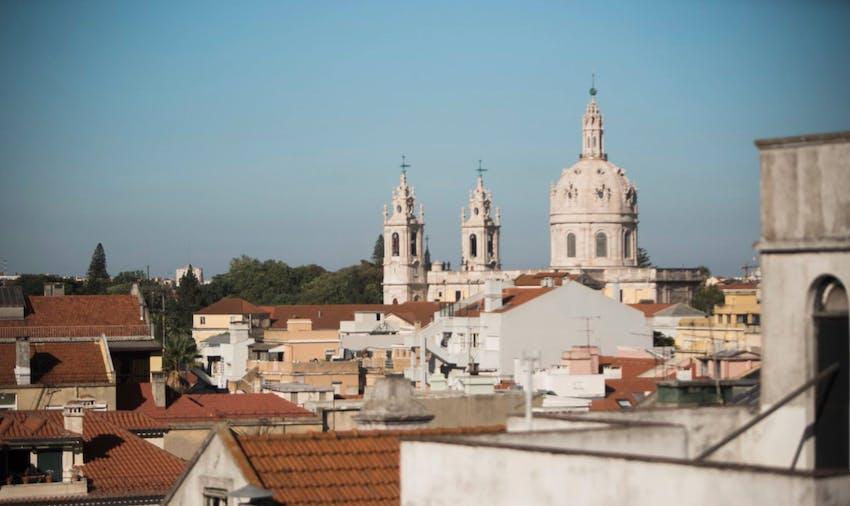 Volunteer in Portugal with IVHQ on your alternative spring break