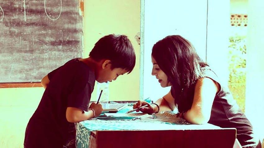 A IVHQ volunteer teacher in Bali during Schoolies