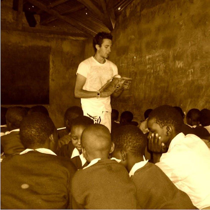 Which volunteer programs are best? IVHQ's Dan Radcliffe teaching
