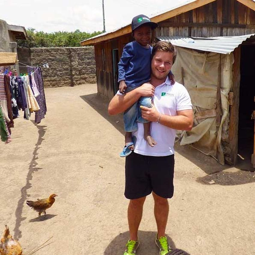 Which volunteer programs are best - IVHQ's William in Kenya