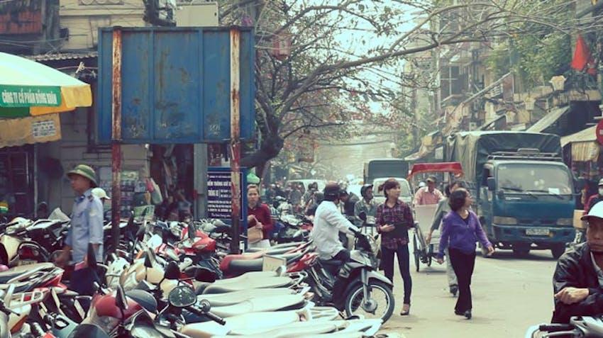 Exploring the streets of Vietnam as an IVHQ volunteer during schoolies