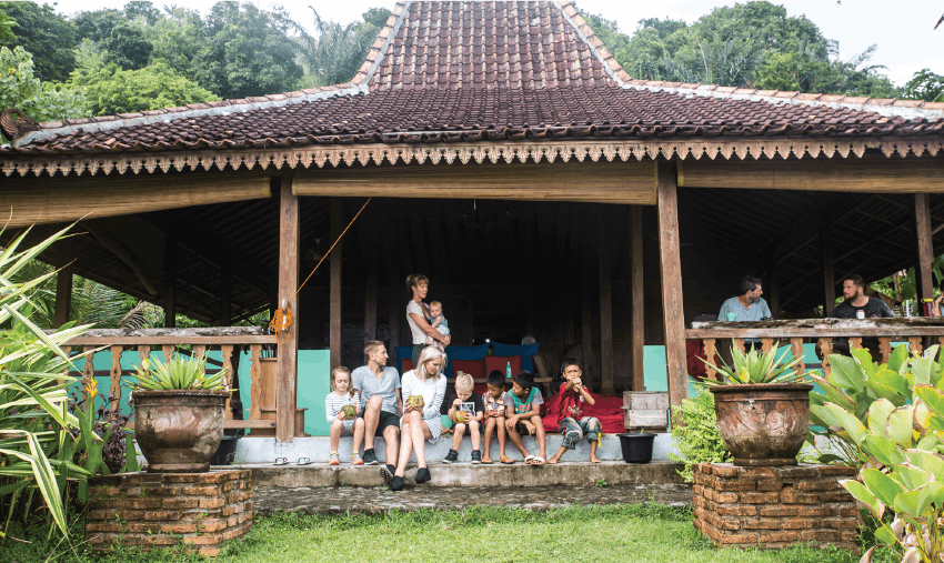 Volunteer in Indonesia as a family with IVHQ