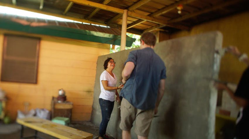 Volunteering as a group in the Philippines with IVHQ