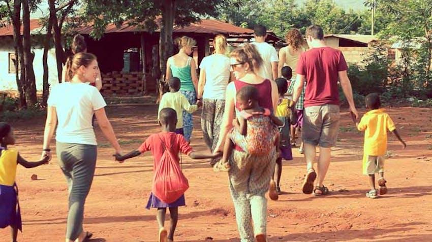 How to choose a volunteer abroad program - Volunteer in Ghana