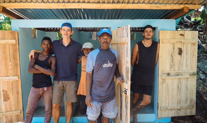 The benefits of volunteering on your humanitarian trip