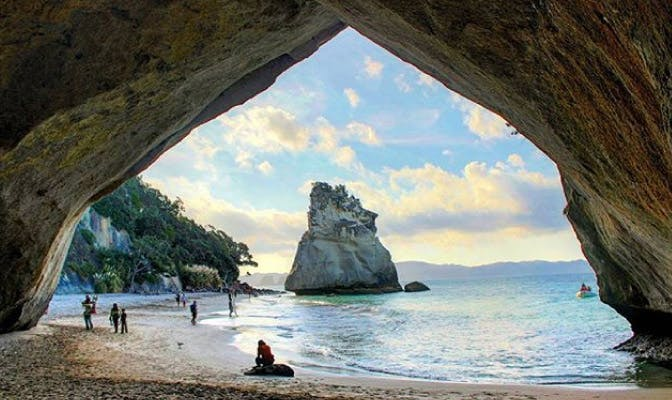 Volunteer in New Zealand with IVHQ on an island vacation