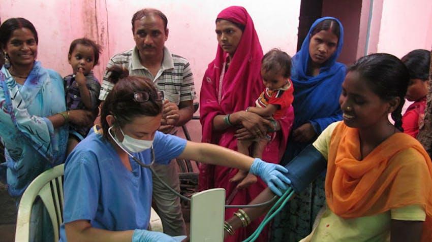 Medical volunteer in INdia with International Volunteer HQ