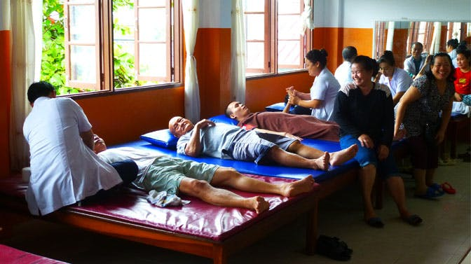 Volunteer in healthcare in Laos with IVHQ