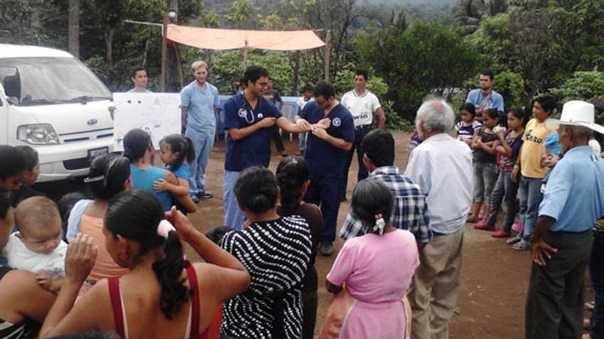 Volunteer in Guatemala with a medical camp