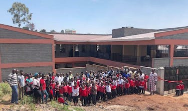 The Volunteer That Built A School In Kenya