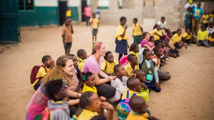 Perfect Gift Ideas for the International Volunteer with IVHQ