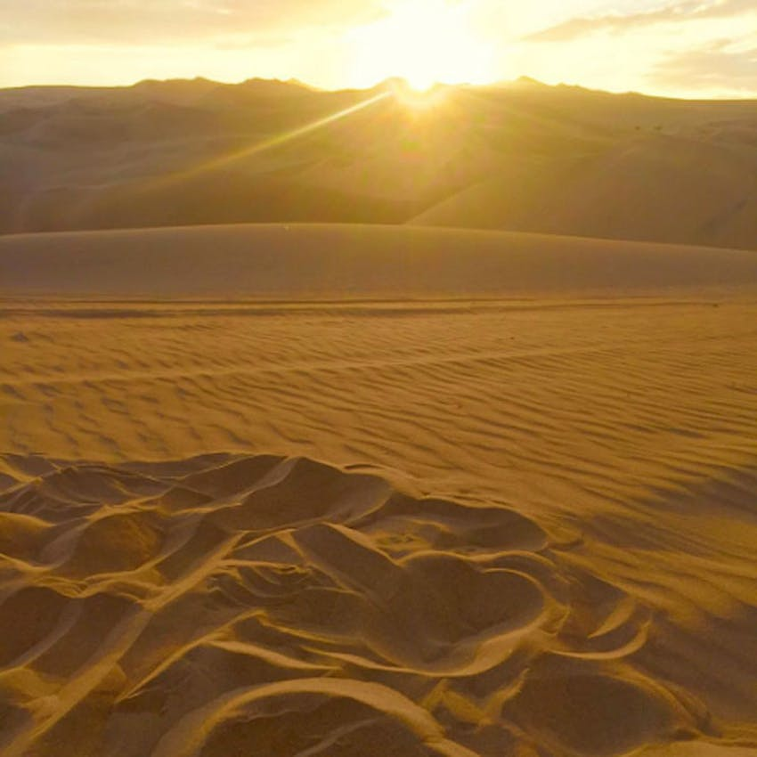 Visit Huacachina in Peru while you're young with IVHQ