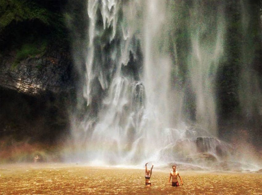 Sub a shower with a waterfall in Ghana with IVHQ