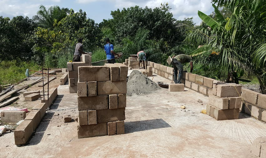 IVHQ volunteer Lara on the Construction and Renovation project in Ghana