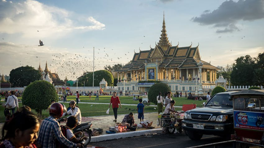 Volunteer and visit Cambodia with IVHQ in your 20s