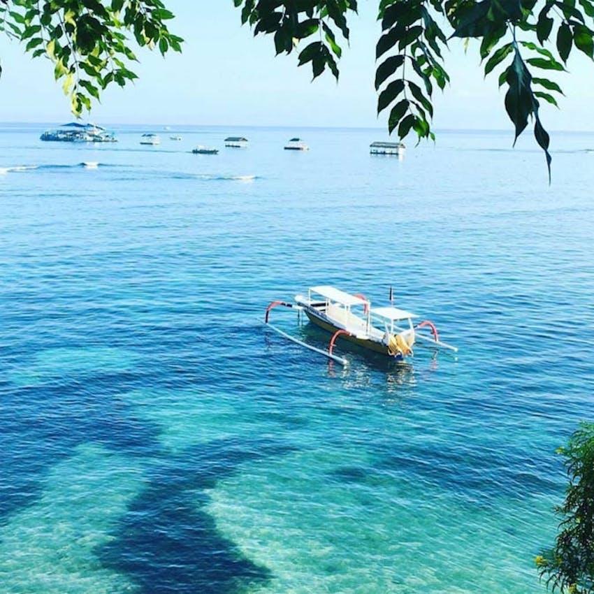 Visit the island of Lembongan as an IVHQ volunteer in Bali