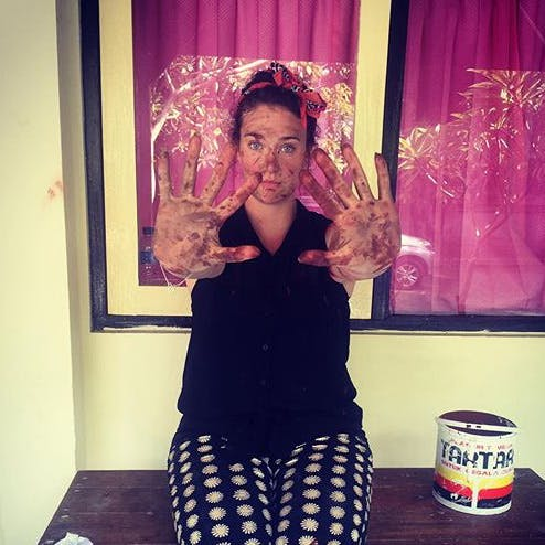 Volunteer in Bali with IVHQ - Messy hands