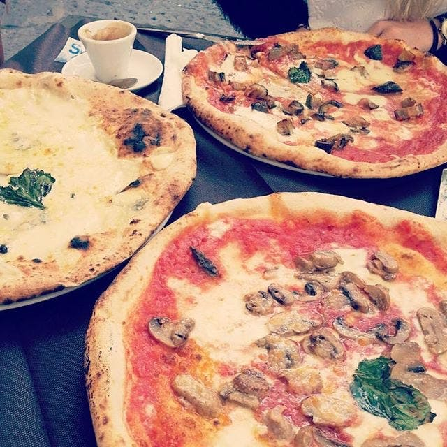 Volunteer in Italy with IVHQ - Pizza