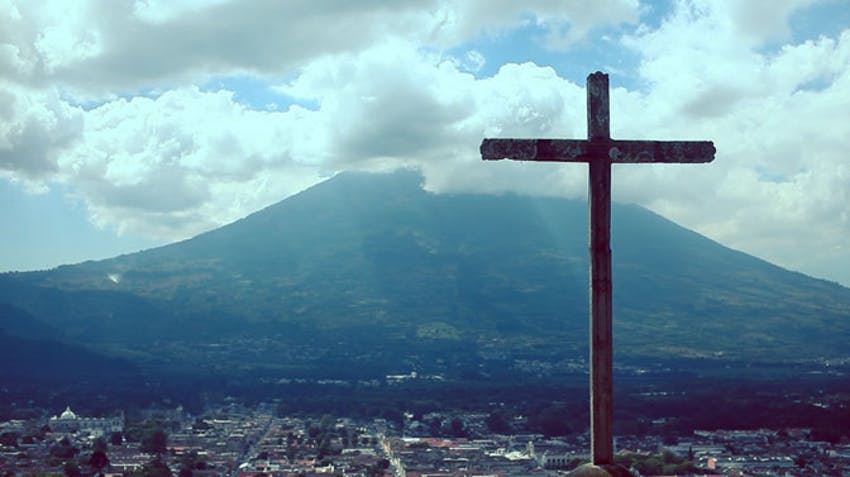 Travel and explore Guatemala with IVHQ on your winter break