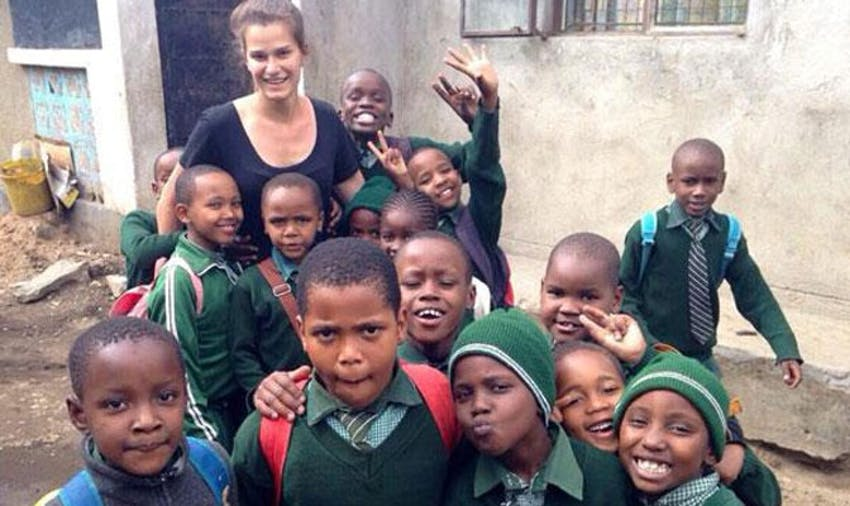 IVHQ volunteer Ashleigh in Tanzania with IVHQ