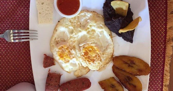 The food as an IVHQ volunteer in Guatemala