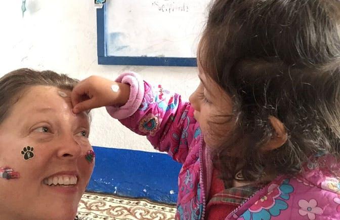 IVHQ volunteer Sue, in Guatemala working with children