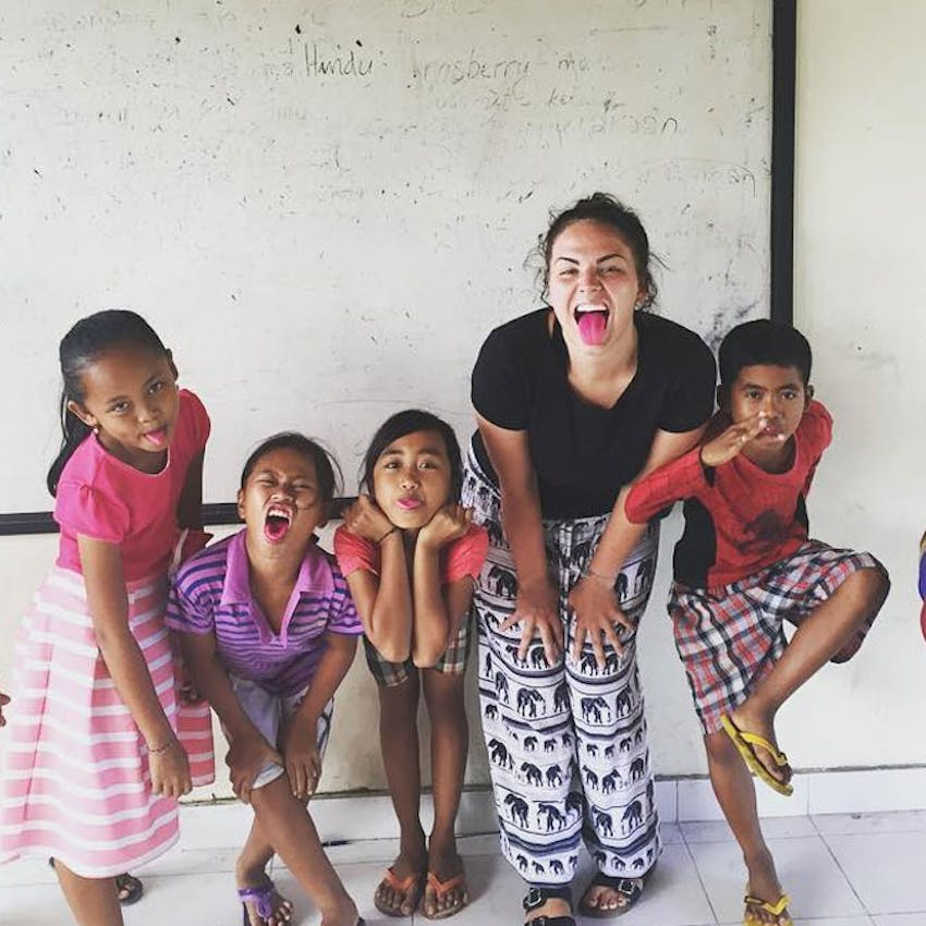 Volunteering with children in Bali with IVHQ