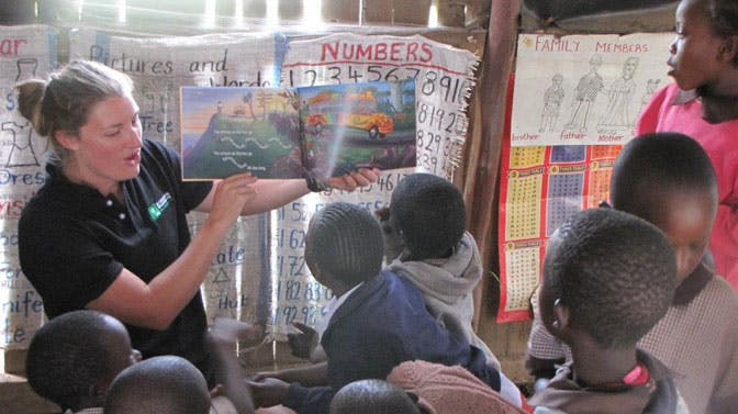 Olympic Rower, Rebecca Scown, teaching in Kenya with IVHQ