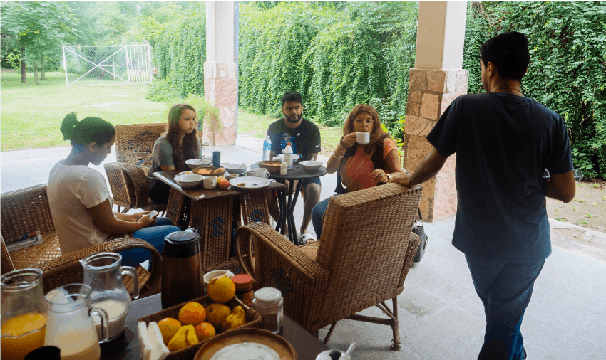 IVHQ Argentina communal breakfast