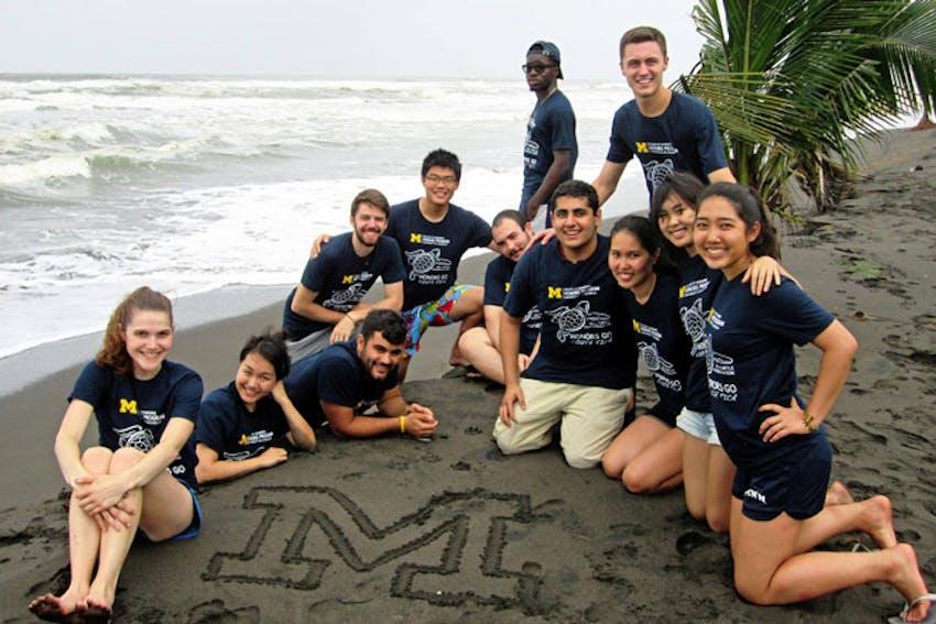 Meeting new people as a volunteer on an alternative break in Costa Rica