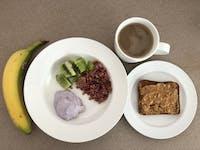 IVHQ volunteer breakfast in Australia with IVHQ