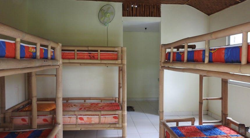 Volunteer bedroom in Lovina, Bali with IVHQ