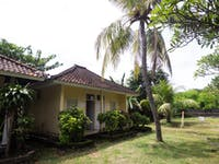 IVHQ Volunteer accommodation exterior in Lovina, Bali