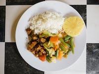 IVHQ Volunteer Lunch in Ubud, Bali