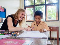 Volunteer teaching in Ubud, Bali with IVHQ