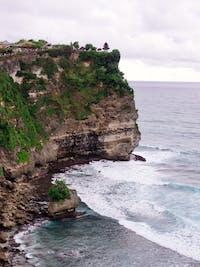 Exploring Uluwatu in Bali with IVHQ