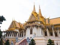 IVHQ volunteers explore Phnom Penh, Cambodia