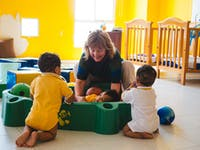Childcare volunteer in Cartagena with IVHQ