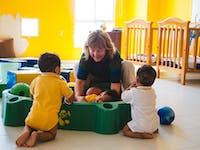 Childcare volunteer in Cartagena with IVHQ