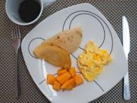 IVHQ Volunteer breakfast in Cartagena, Colombia