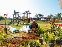 IVHQ Construction and Renovation volunteer in Costa Rica gardening