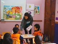 Childcare volunteer in Ecuador with IVHQ