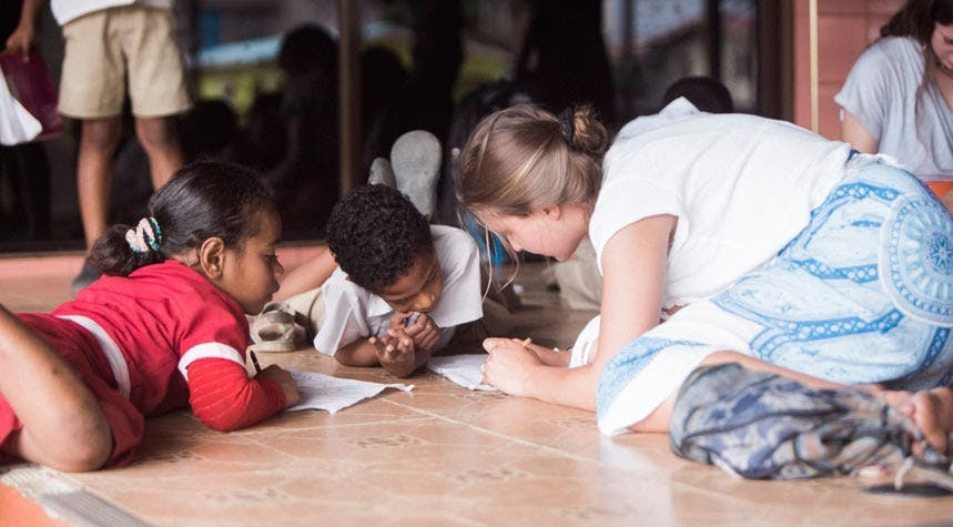 Volunteer in Fiji Childcare with IVHQ
