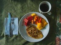 Volunteers breakfast in Guatemala with IVHQ
